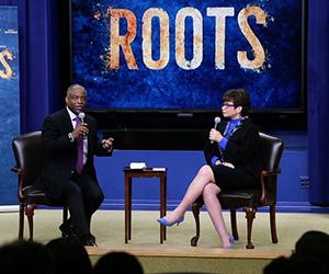LeVar Burton & Valerie Jarrett at the White House