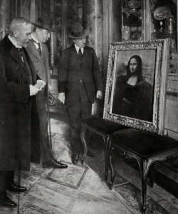 Authorities inspecting the recovered Mona Lisa in Florence.