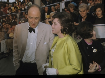 Patricia Neal and husband Roald Dahl. (Credit: ABC Photo Archives / Getty Images)