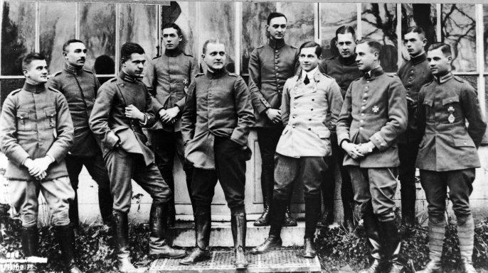 Manfred von Richthofen (center) poses with young German officers