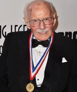 Bob Hoover at a 2015 aviation awards gala.