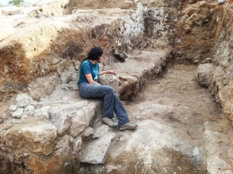 Evidence of biblical accounts of elders, judges, governors and kings sitting at the gates of the city. (Credit: Sa'ar Ganor / Israel Antiquities Authority)
