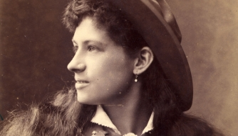 10 Things You May Not Know About Annie Oakley