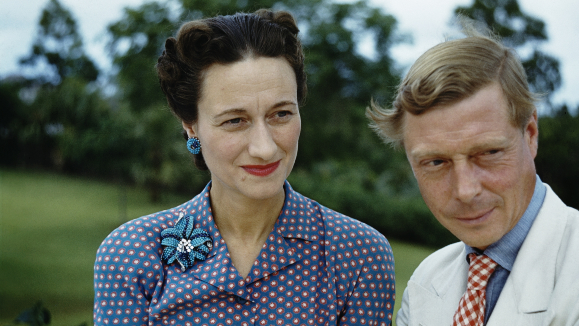 Wallis, Duchess of Windsor and the Duke of Windsor outside Government House in Nassau, the Bahamas. (Credit: Ivan Dmitri/Michael Ochs Archives/Getty Images)