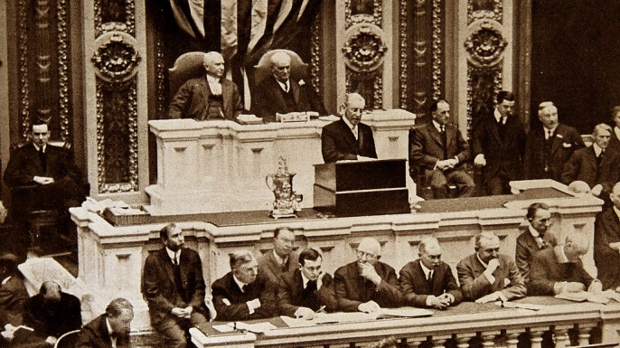 President Woodrow Wilson delivers his 1915 State of the Union Address. (Credit: Universal History Archive/UIG via Getty Images)