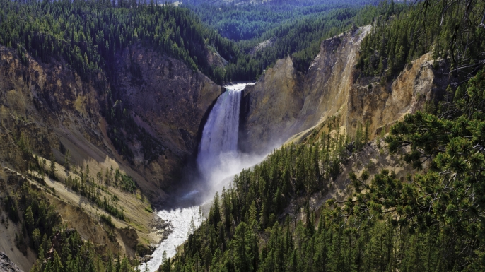 Yellowstone Falls, Yellowstone National Park, Montana (MT). (Credit: dszc/Getty Images)