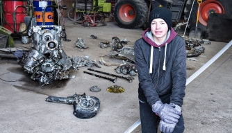 Intrepid Student Finds WWII Plane Wreckage