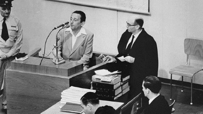 Henryk Ross testifies during Adolf Eichmann's trial in 1961. (Credit: U.S. Holocaust Memorial Museum)