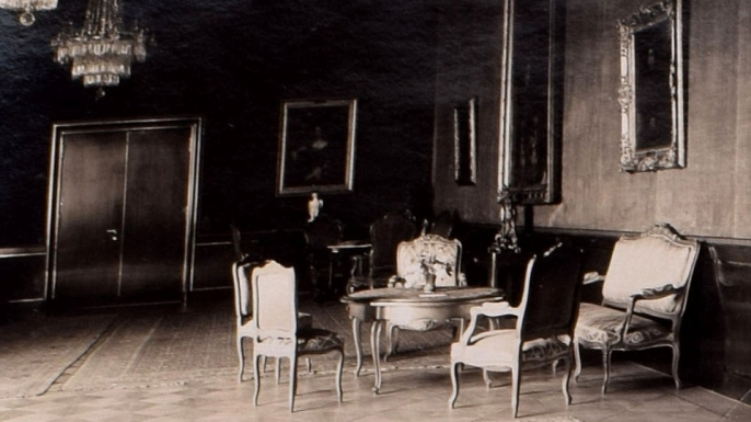 An interior shot of the Reich Chancellery. (Credit: C&T Auctions)