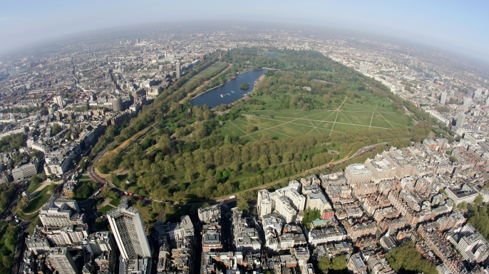 An aerial view of Hyde Park in the centre of London, England.  (Credit: Mike Hewitt/Getty Images)
