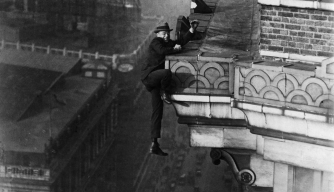 7 Early Daredevils Who Risked Their Lives for Glory