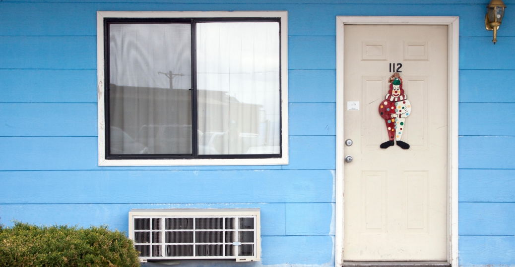 The Clown Motel in Tonopah Nevada. (Credit Franck Fotos/Alamy Stock & Americau0027s Creepiest Motel Can Be Yours. It Comes With Clowns ... pezcame.com