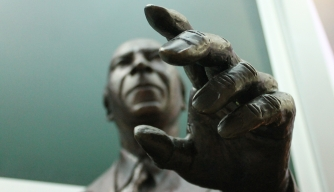 One of D.C.'s Best Statues is Hidden in Plain Sight Outside a Starbucks