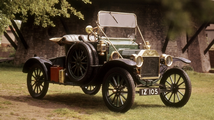 Ford Model 'T', 1910. The Model T was introduced by Henry Ford in 1909 and the Ford Motor Company's Detroit factory was adapted for its mass production. (Credit: Oxford Science Archive/Print Collector/Getty Images)