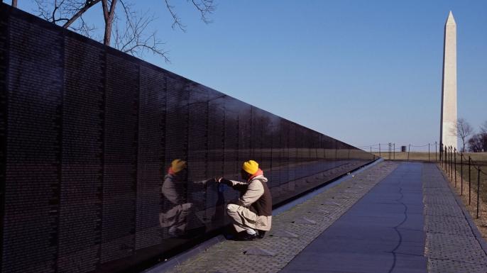 Vietnam Veterans Memorial Wall in Washington DC. (Credit: Rolf Adlercreutz/Alamy Stock Photo)