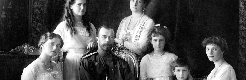 Tsar Nicholas II of Russia with his family. (Credit: Ian Dagnall Computing/Alamy Stock Photo)