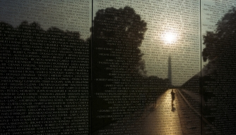 This 21-Year-Old College Student Designed the Vietnam Veterans Memorial