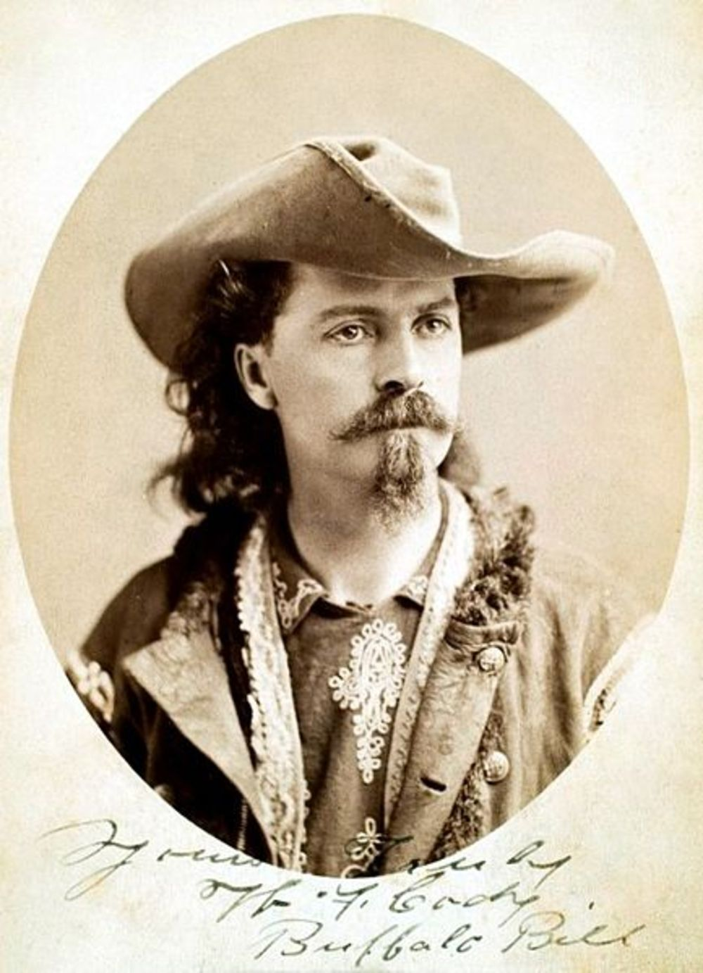 Mclaughlins >> The Unlikely Alliance Between Buffalo Bill and Sitting Bull - History in the Headlines