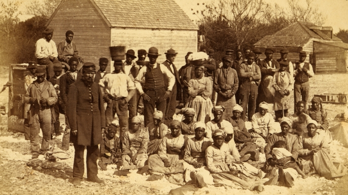 Slaves of General Thomas F. Drayton, in Hilton Head, South Carolina, 1862. (Credit: Buyenlarge/Getty Images)