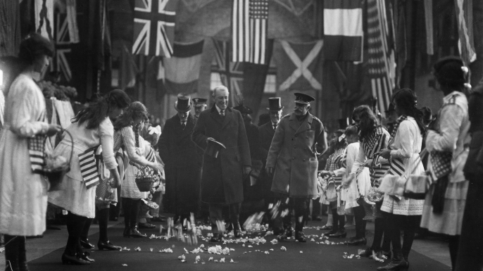 While the preliminaries for the opening of the Paris Peace Conference were being arranged, United States President Woodrow Wilson visited England where he received an enthusiastic reception. London, 1919. (Credit: PhotoQuest/Getty Images)