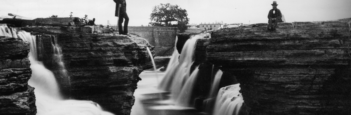 Gentlemen contemplating the beauty of the Chaudiere falls on the River Ottawa, 1859. (Credit: William England/London Stereoscopic Company/Getty Images)