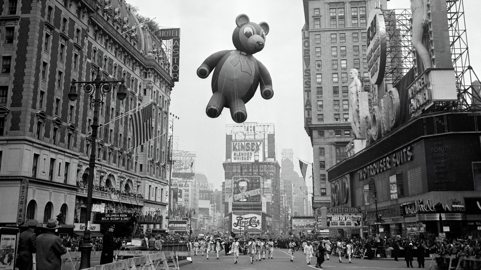 Macy's Thanksgiving Day Parade, 1959. (Credit: Bettmann Archive/Getty Images)