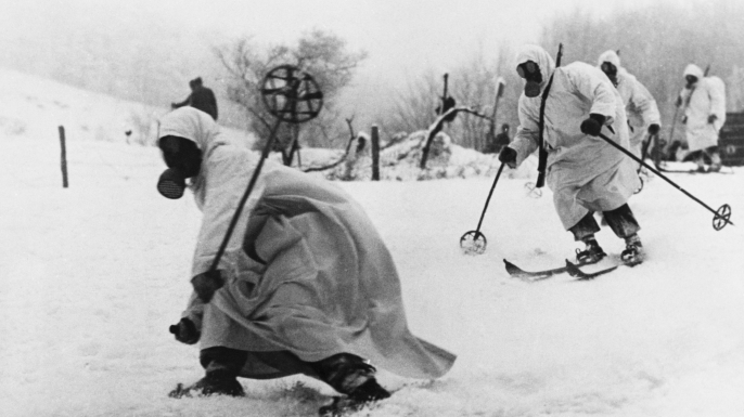 A group of Finnish alpine troops on skis. (Credit: Hulton-Deutsch Collection/CORBIS/Corbis via Getty Images)