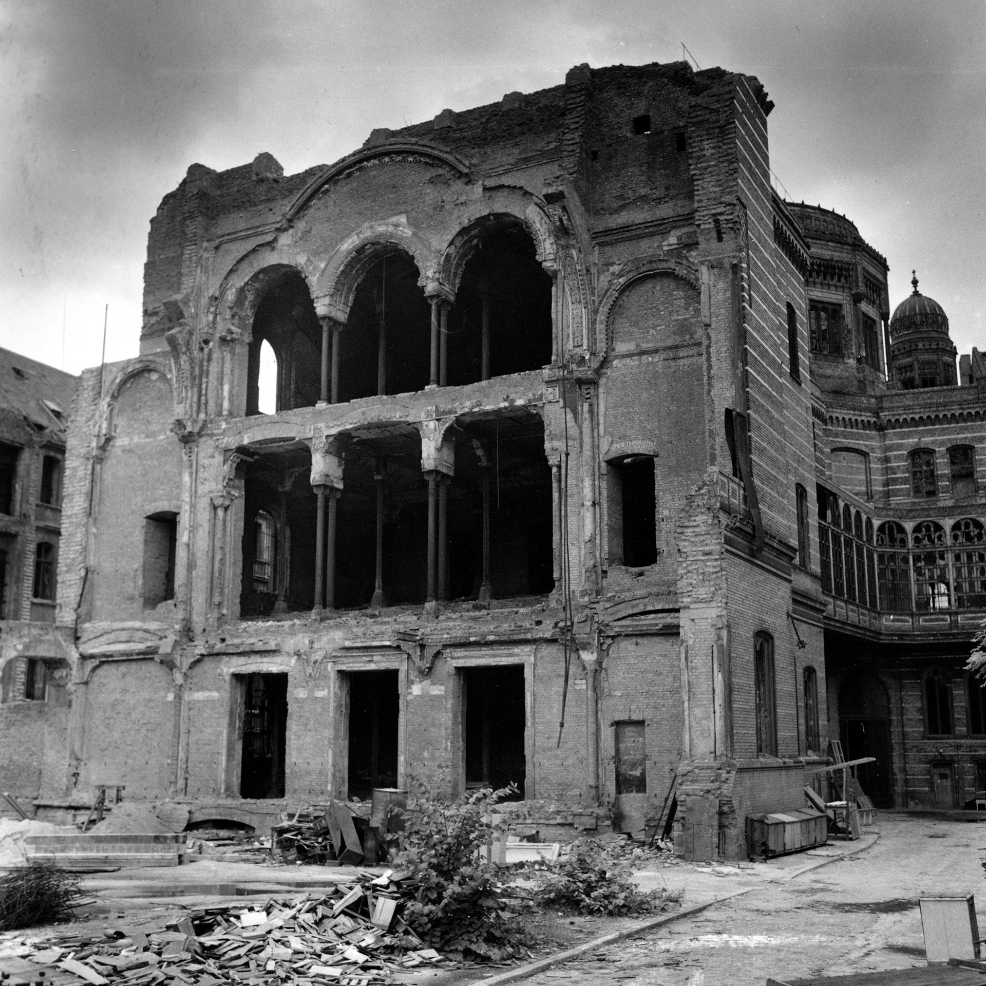 The Oranienburger Strasse Synagogue that was burnt by the Nazis on Kristallnacht. (Credit: AP/REX/Shutterstock)