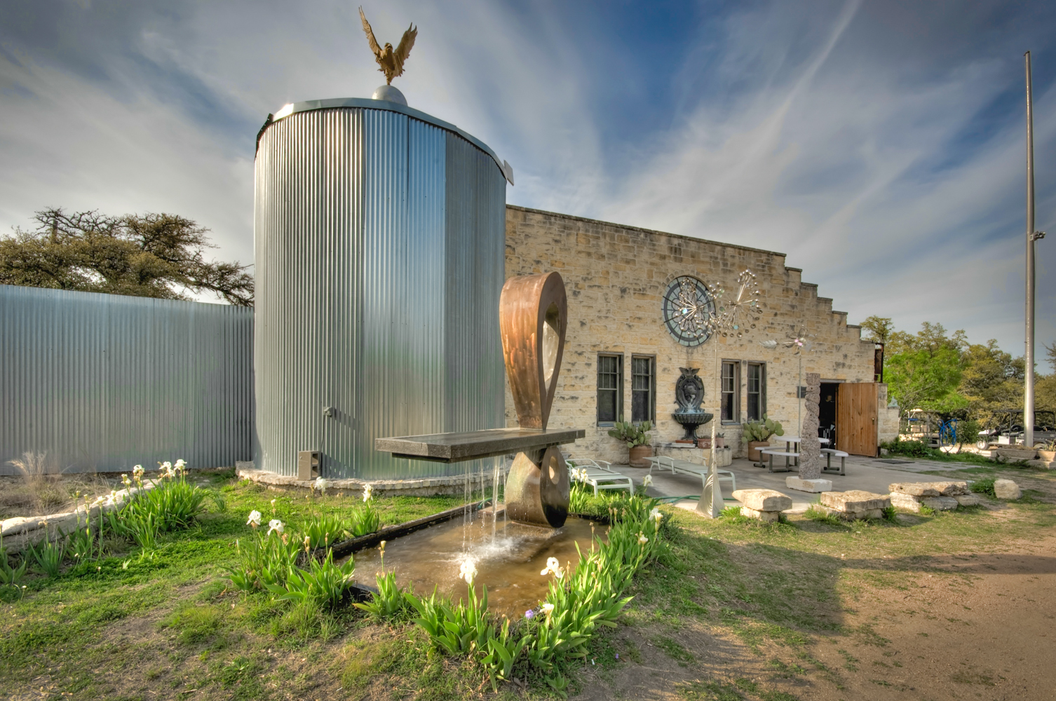 The property's current owners are Italian artist Benini and his wife Lorraine, who purchased it in 1999. (Image courtesy of Coldwell Banker)