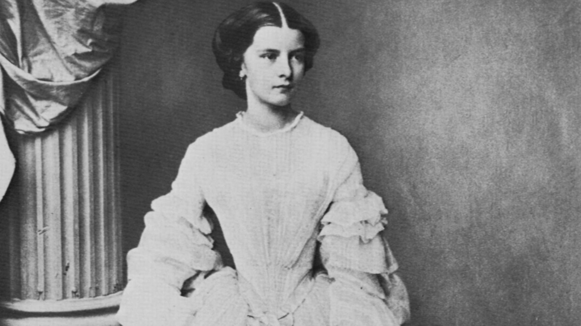 Empress Elisabeth of Austria, 1857. (Credit: Fine Art Images/Heritage Images/Getty Images)