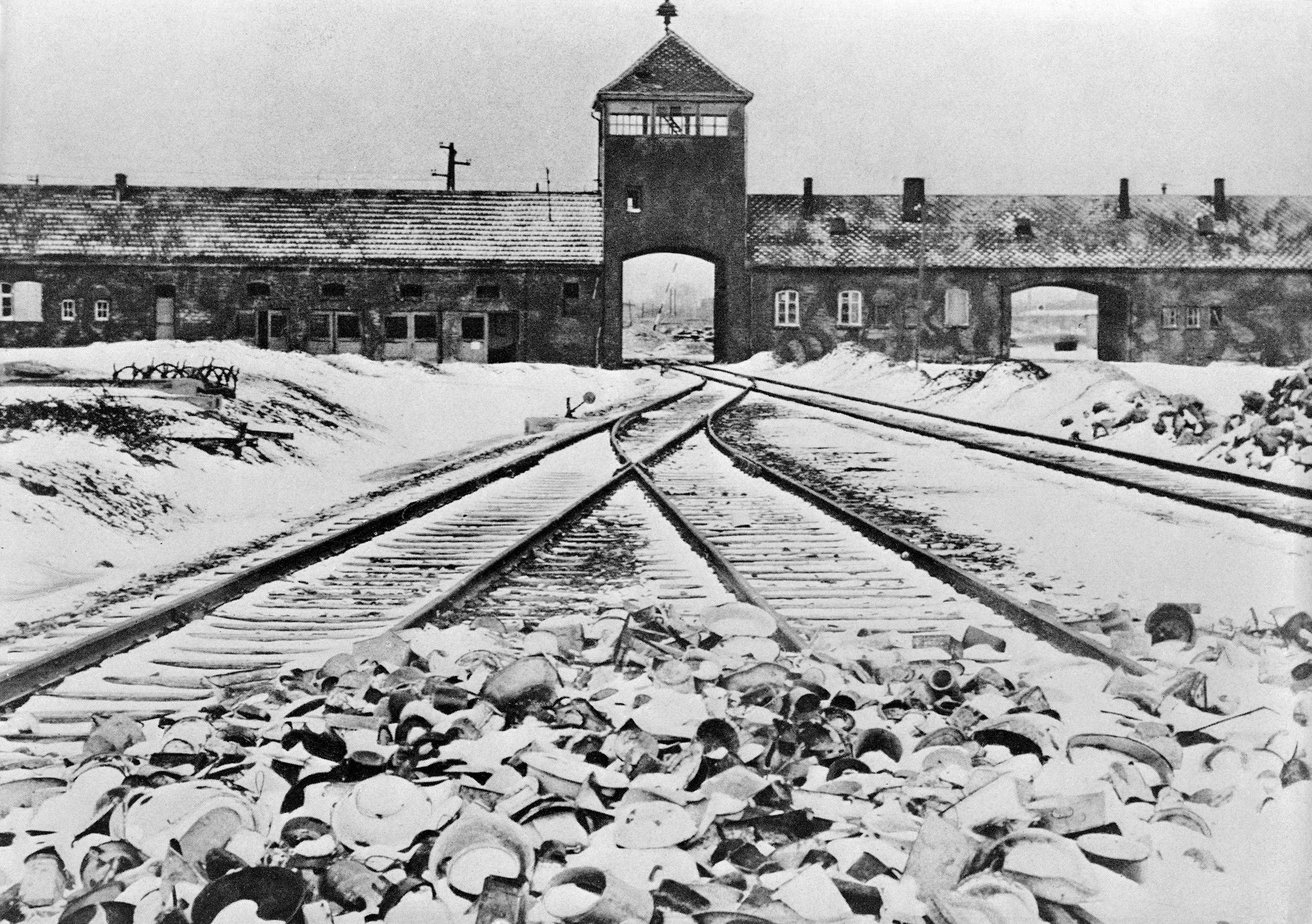 The entrance to the German concentration camp of Auschwitz. (Credit: Bettmann Archive/Getty Images)
