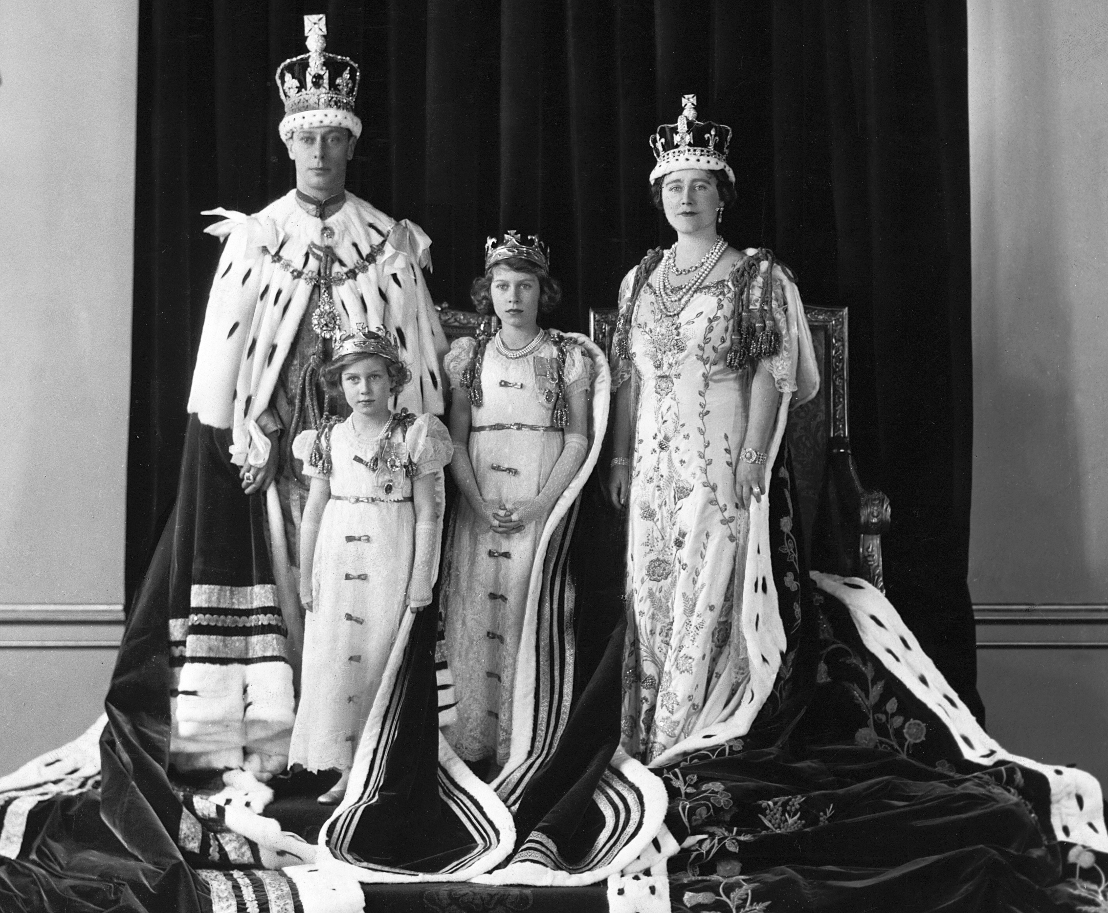 Top Secret: British Royals Hid Crown Jewels From Nazis in Cookie Tin