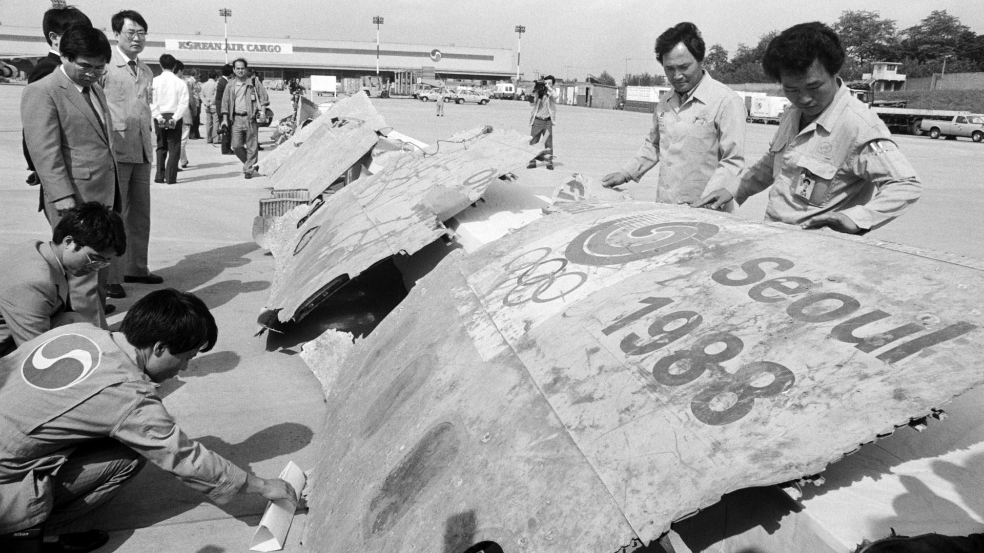 Wreckage of Korean Air flight 858. (Credit: Park Chang-gi/Yonhap via AP)