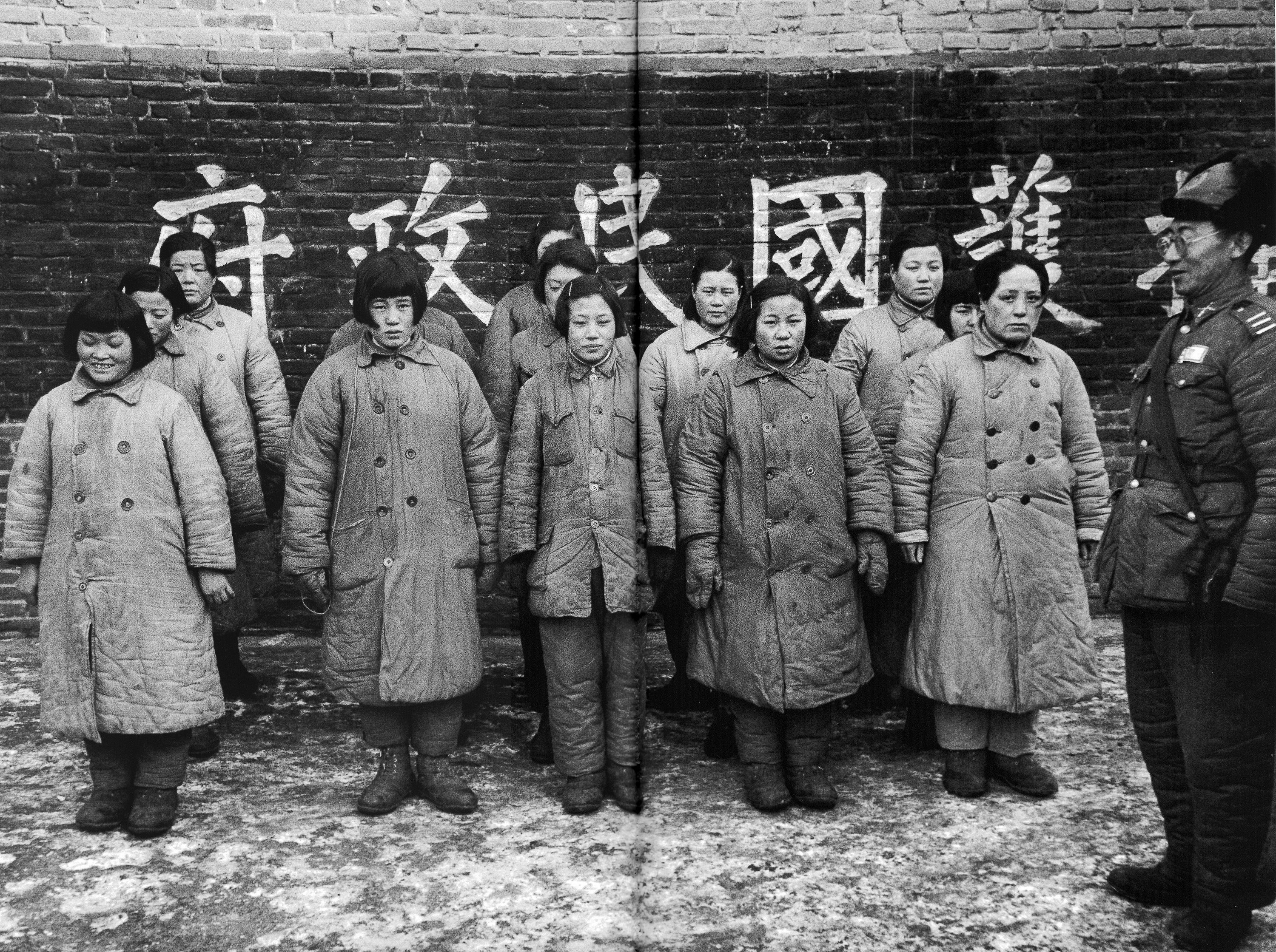 HISTORY IN IMAGES: Pictures Of War, History , WW2: Women