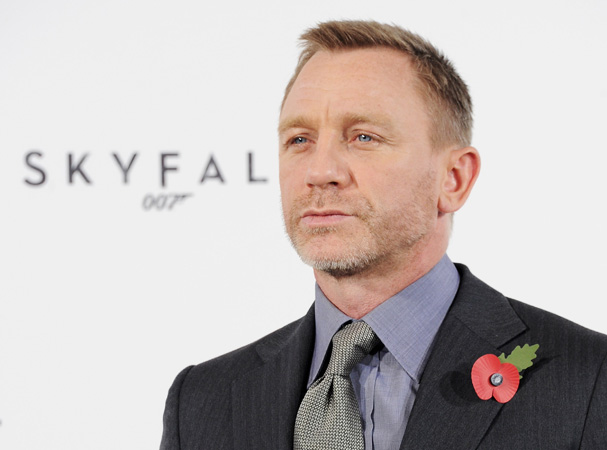 does daniel craig smoke