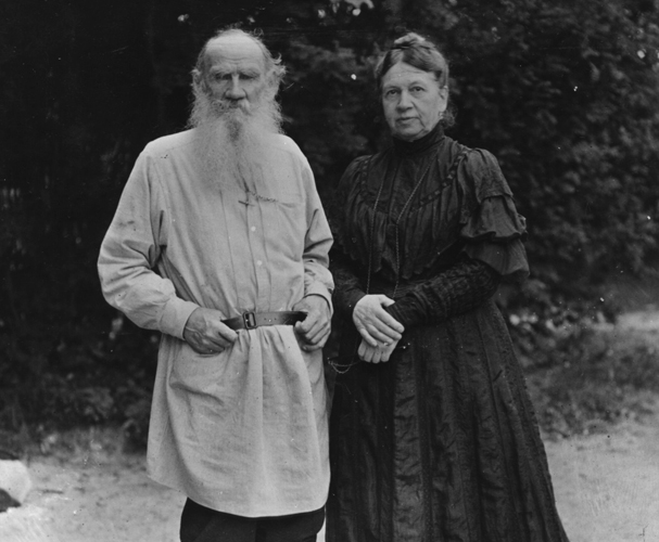 Tolstoy with his wife Sonya, circa 1906.