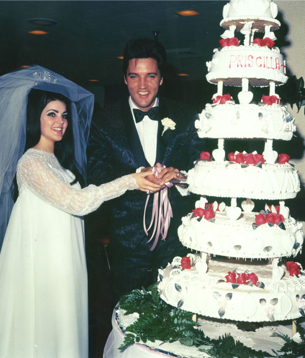 Elvis Wedding: Elvis And Priscilla Ann Beaulieu Seen At Their Wedding In