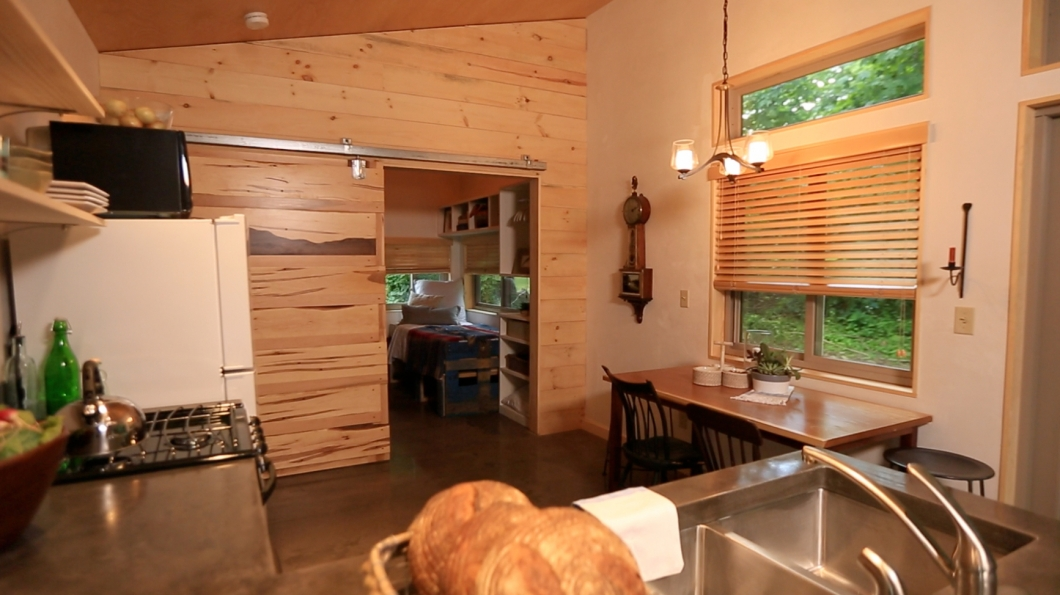 vermont interior Vermont Chalet Pictures Tiny House Nation