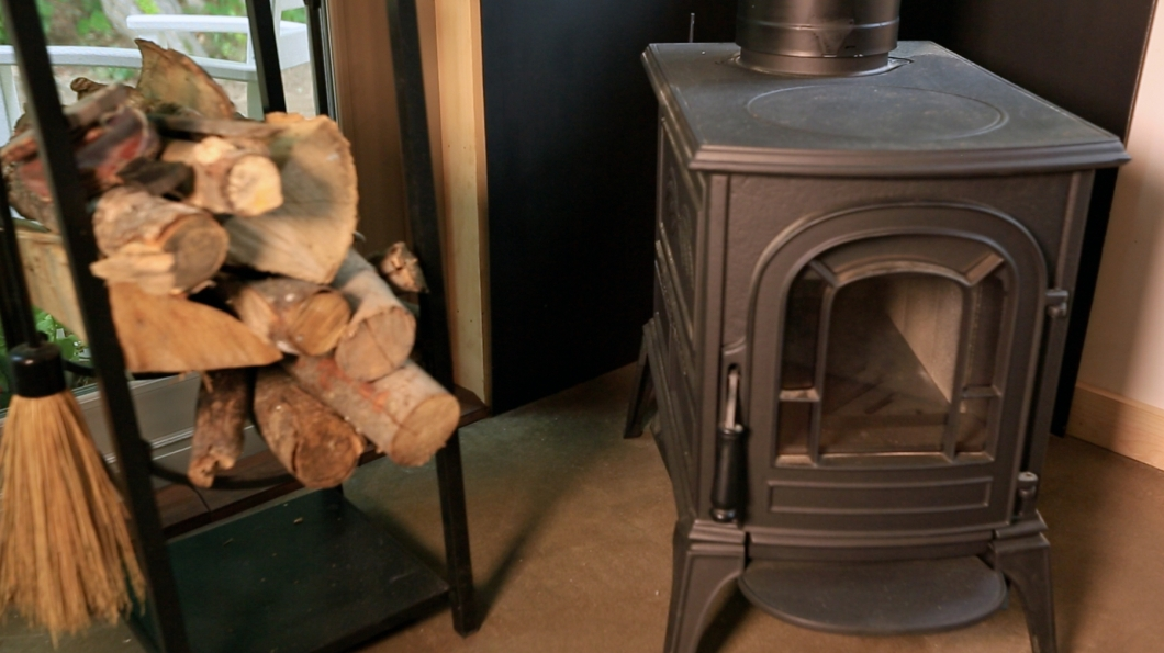 vermont wood stove Vermont Chalet Pictures Tiny House Nation