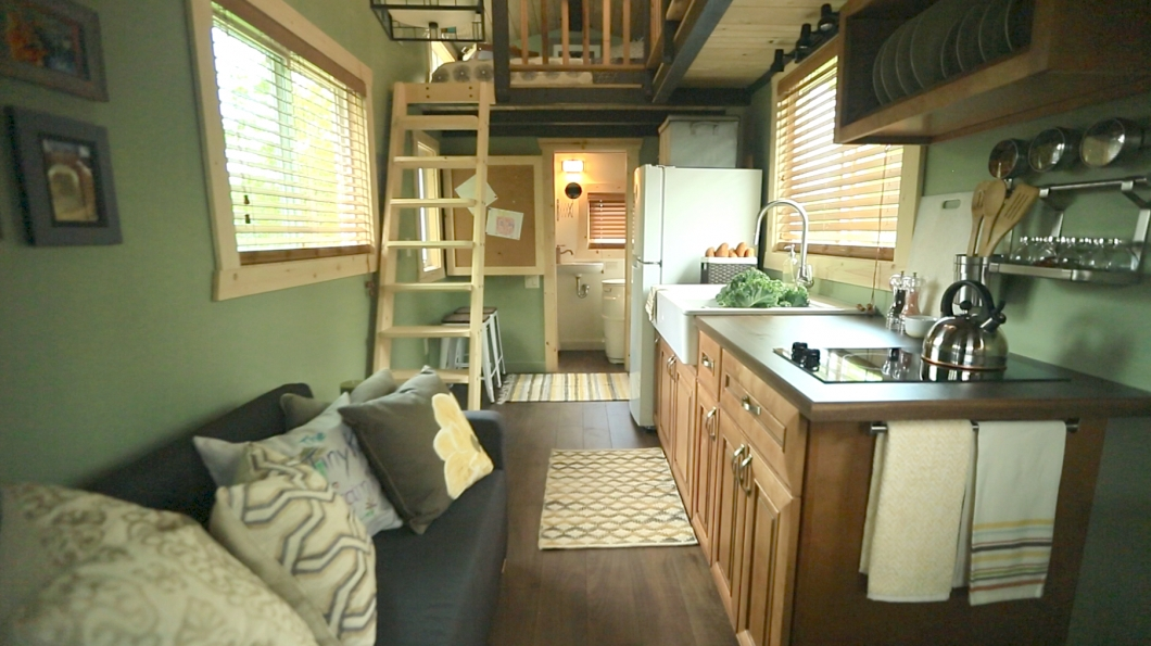minnesota tiny house kitchen Minnesota Tiny House Pictures