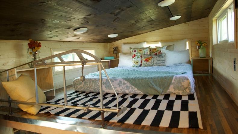 13 Small Sleeping Loft Ideas FYI