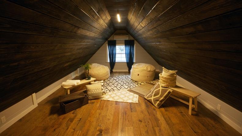 13 small sleeping loft ideas home design fyi - Houses three attic bedrooms ...