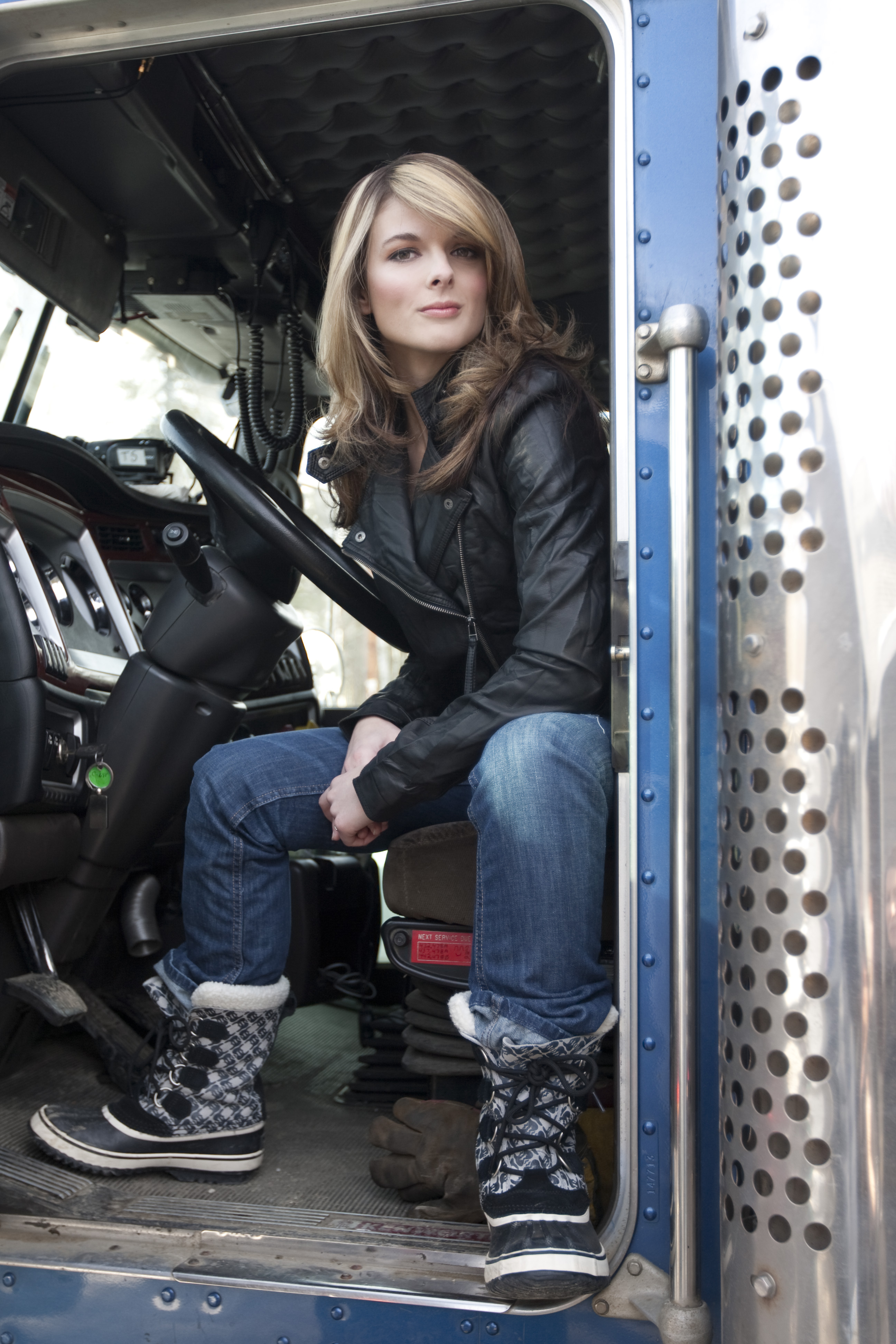 Ice road truckers lisa