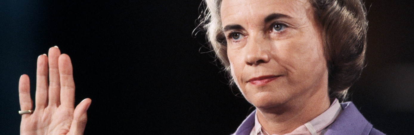 sandra day oconnor One of sandra day o'connor's key decisions while on the supreme court was the 1982 mississippi university for women vs hogan case, where she decided that it was unconstitutional for a state nursing school to refuse to admit male students.