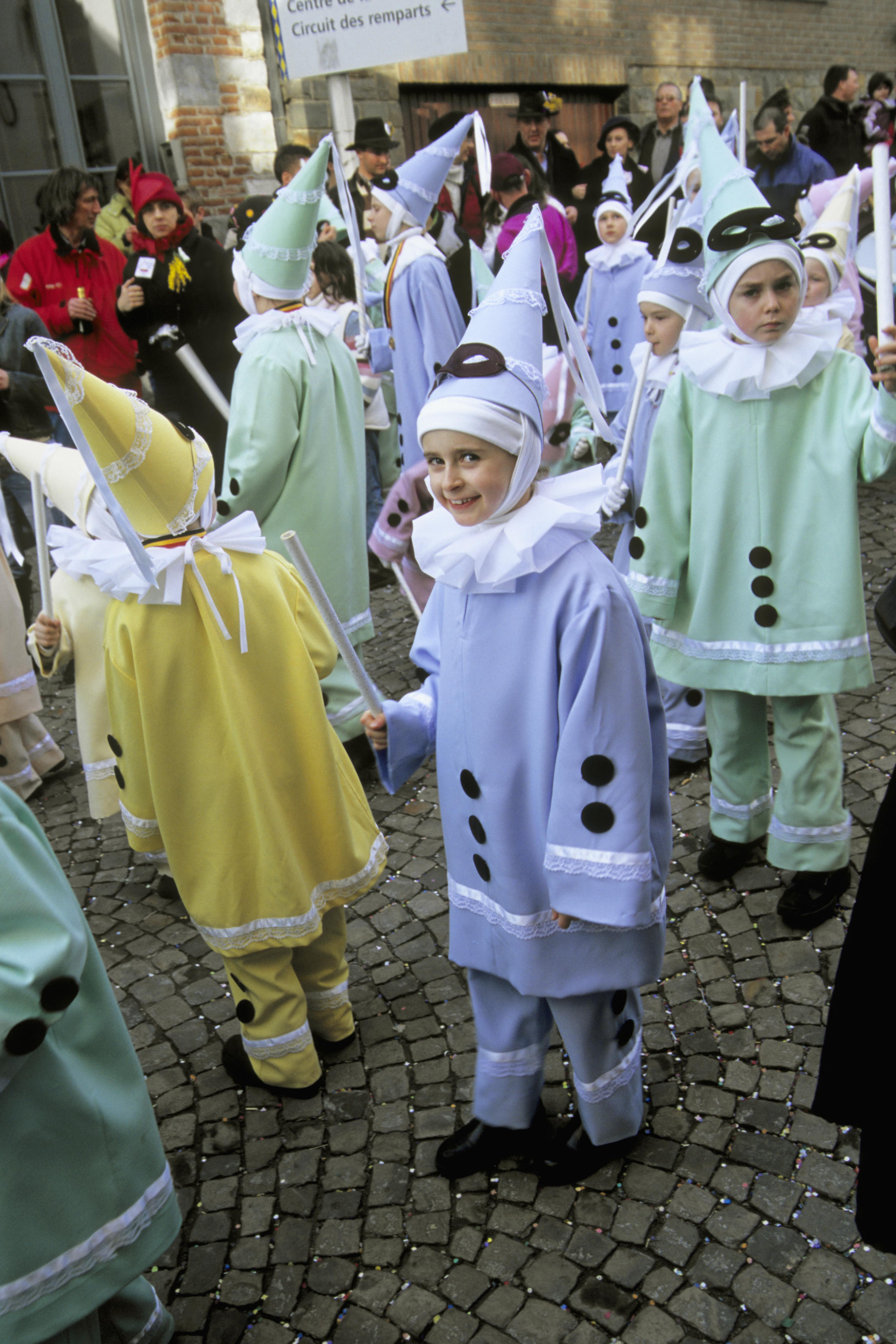 mardi gras new orleans louisiana children costumes  sc 1 th 275 & costumed-children-in-mardi-gras-parade - Mardi Gras and Carnival ...