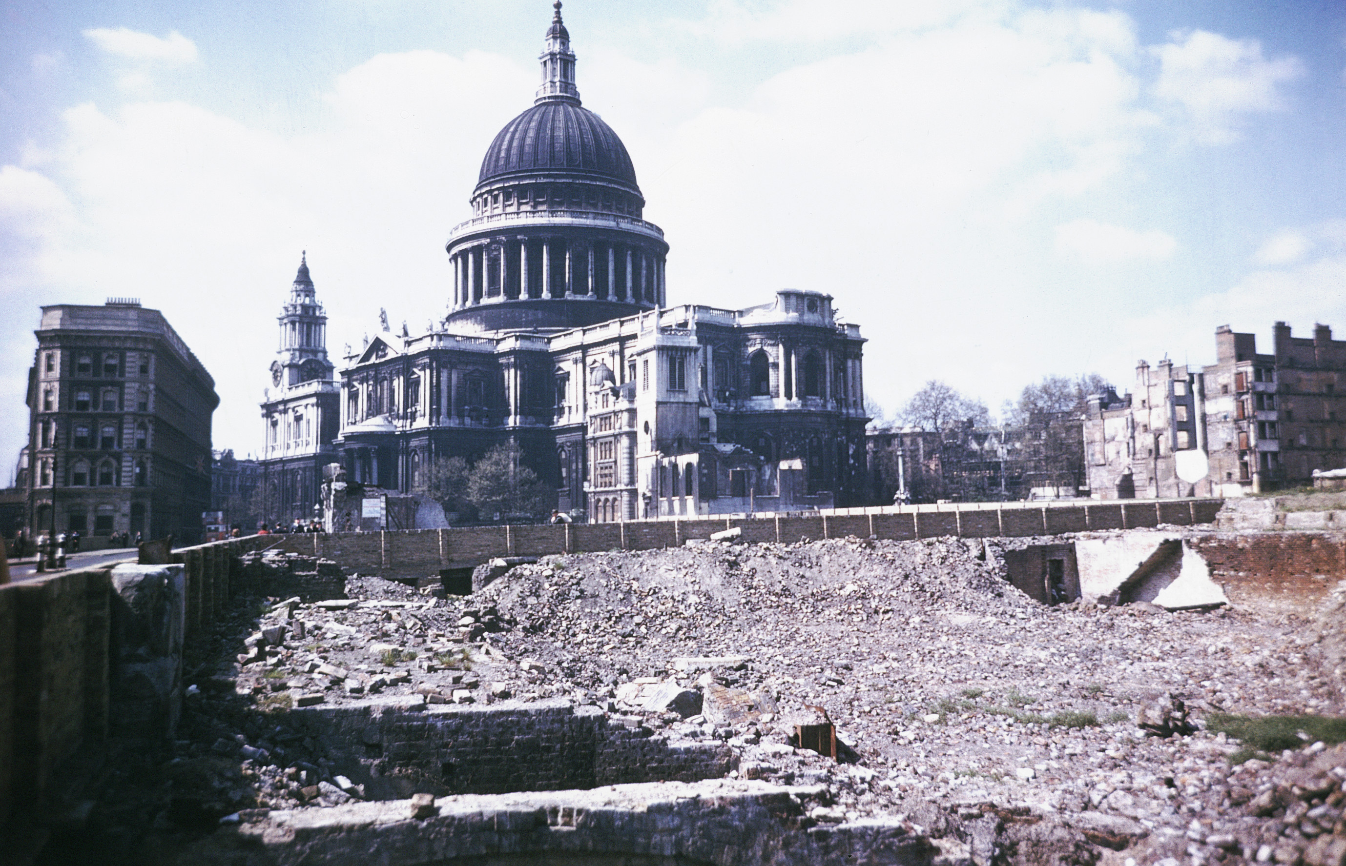 a history of the blitz the german bombing of england The germans were very successful in bombing england  a potted history of the battle  so the german bombing offensive of 1940–42 would have needed 3.