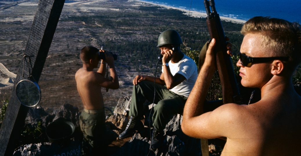 american soldiers the vietnam war vietnam da nang airforce base 1965