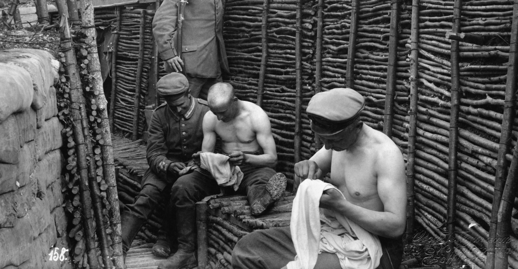 german trenches, world war I, trench warfare, lice, dirt, vermin, disease