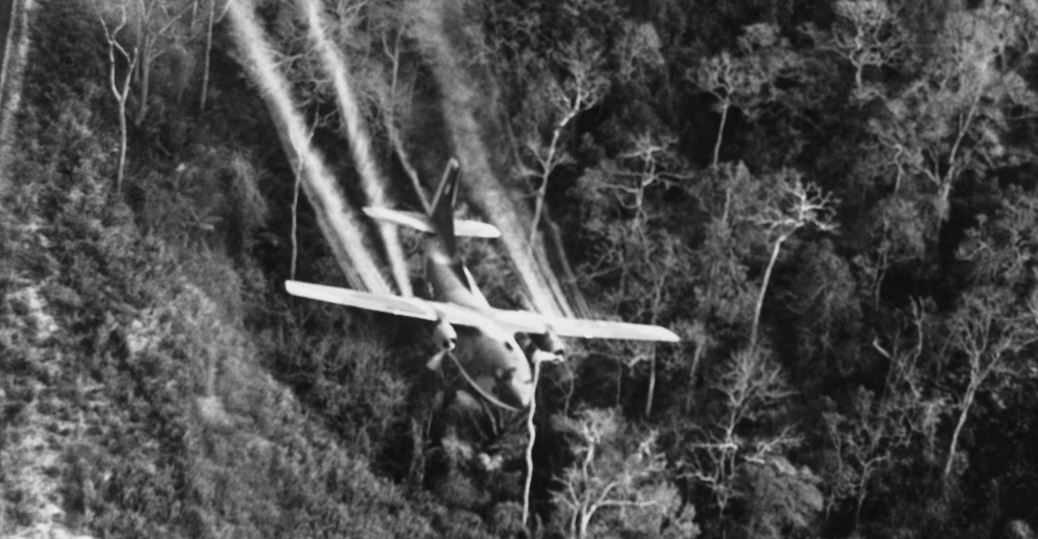 cargo plane, agent orange, north vietnam, viet cong forces, the vietnam war