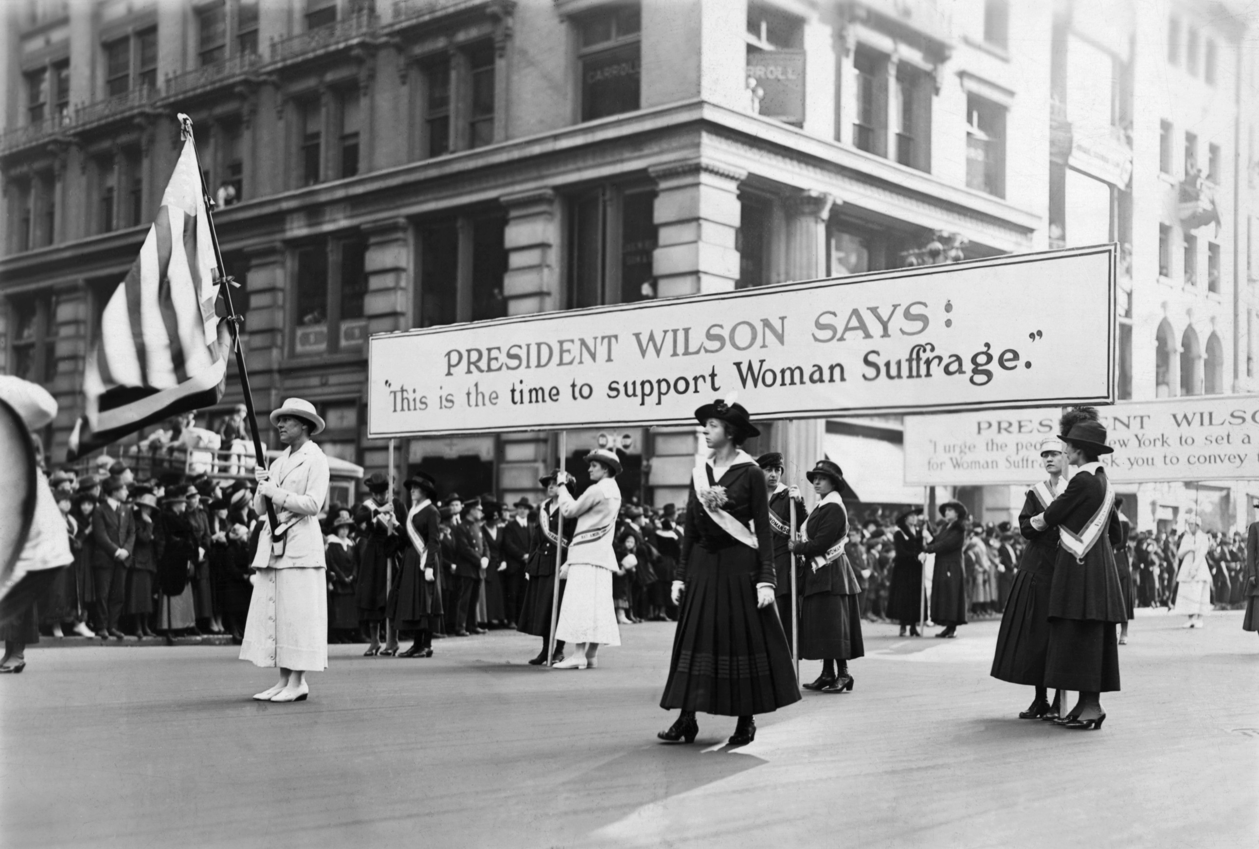 women suffrage parade supporting wilson woodrow wilson pictures woodrow wilson. Black Bedroom Furniture Sets. Home Design Ideas